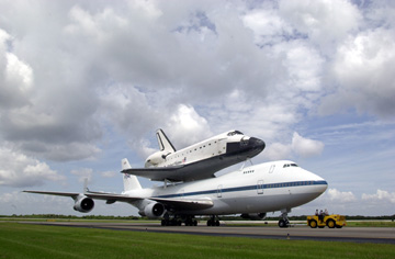 ENDEAVOUR landet in Florida